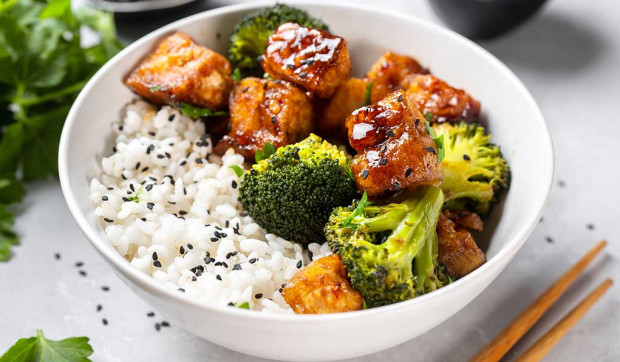 General Tso's Tofu with Broccoli