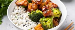 General Tso's Tofu with Broccoli