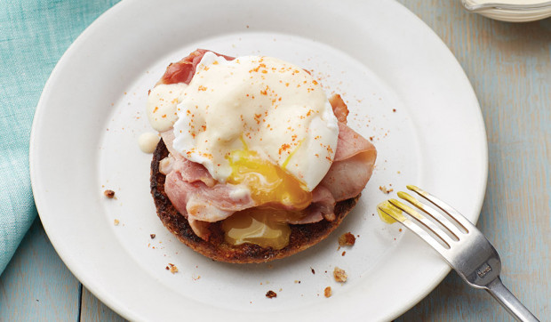 Eggs Benedict with Silken Hollandaise Sauce