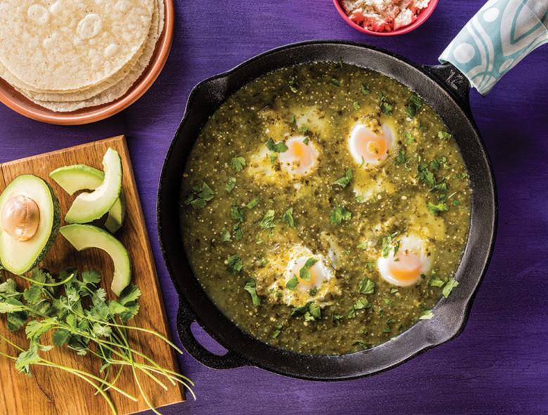 Huevos ahogados en salsa verde