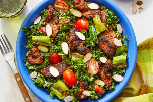 Spanish-Spiced Beef & Kale Salad with Creamy Saffron Dressing