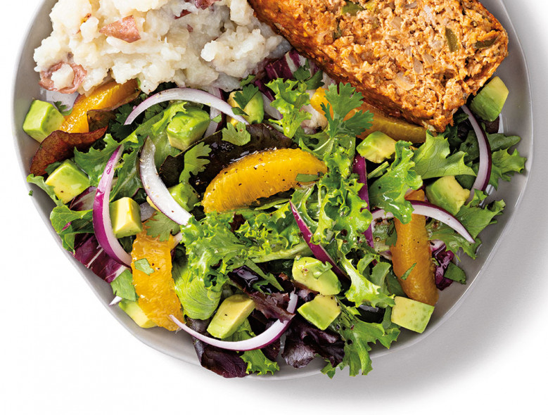 Green Salad with Orange, Avocado, and Onion