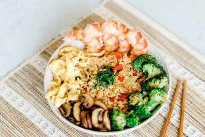 Low Carb Veggie Fried Rice Bowl