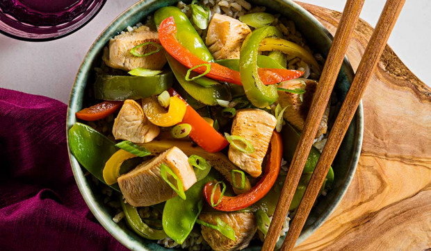 Chicken Stir-Fry with Snow Peas and Bell Pepper