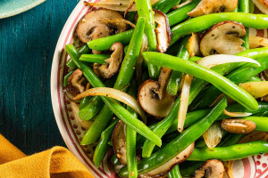 Green Beans with Mushrooms and Onions
