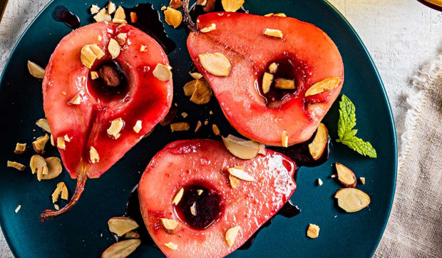 Poached Pears with Pomegranate Sauce