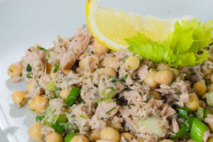 Tuna Salad with Chickpeas