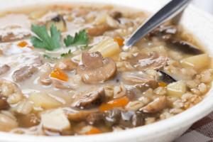 鸡蘑菇大麦汤