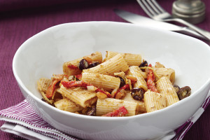 Rigatoni With Sun-Dried Tomatoes, Pesto, And Olives