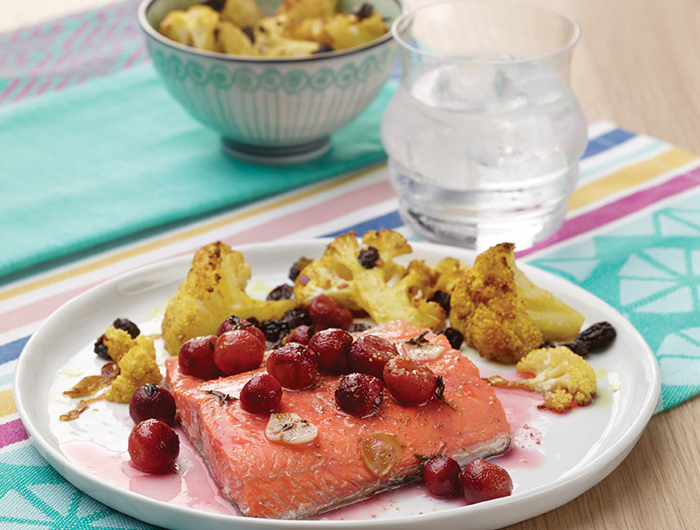 Salmon With Thyme-Roasted Grapes