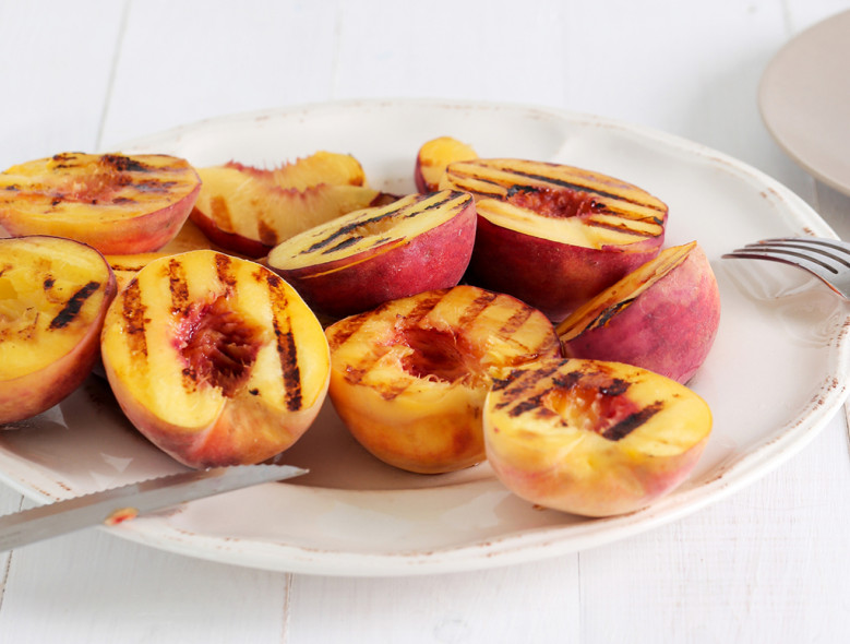 Cinnamon Maple Grilled Peaches