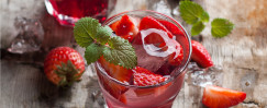 Sparkling Strawberry Mint-Infused Water