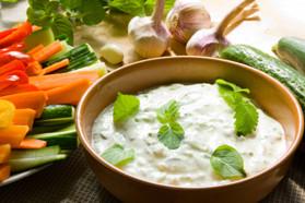 Tzatziki和蔬菜