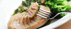 Seared Tuna with Pesto Sauce