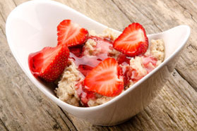 OK Oatmeal with Strawberries and Almonds